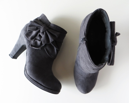 modcloth_bow_bootie
